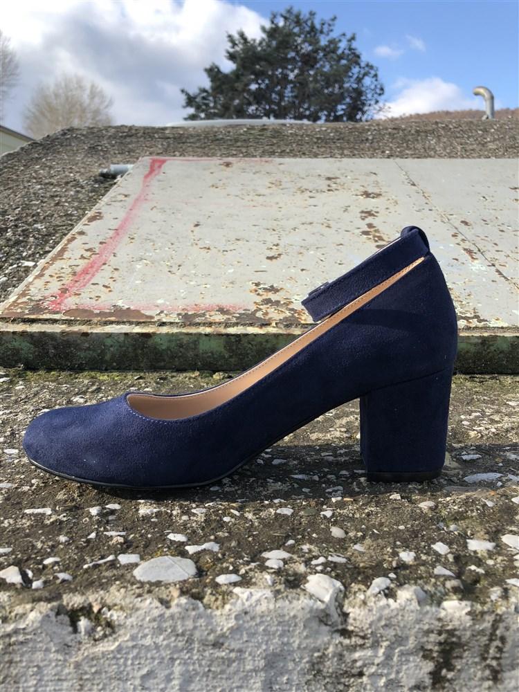 6542e69357c Αρχική σελίδαΓυναικείαΓόβεςΓοβες Γυναικειες Handmade Με Μπαρετα Χαμηλο  Τακουνι Χοντρο Χρωμα Μπλε Β500300. Sold Out. Previous. Next